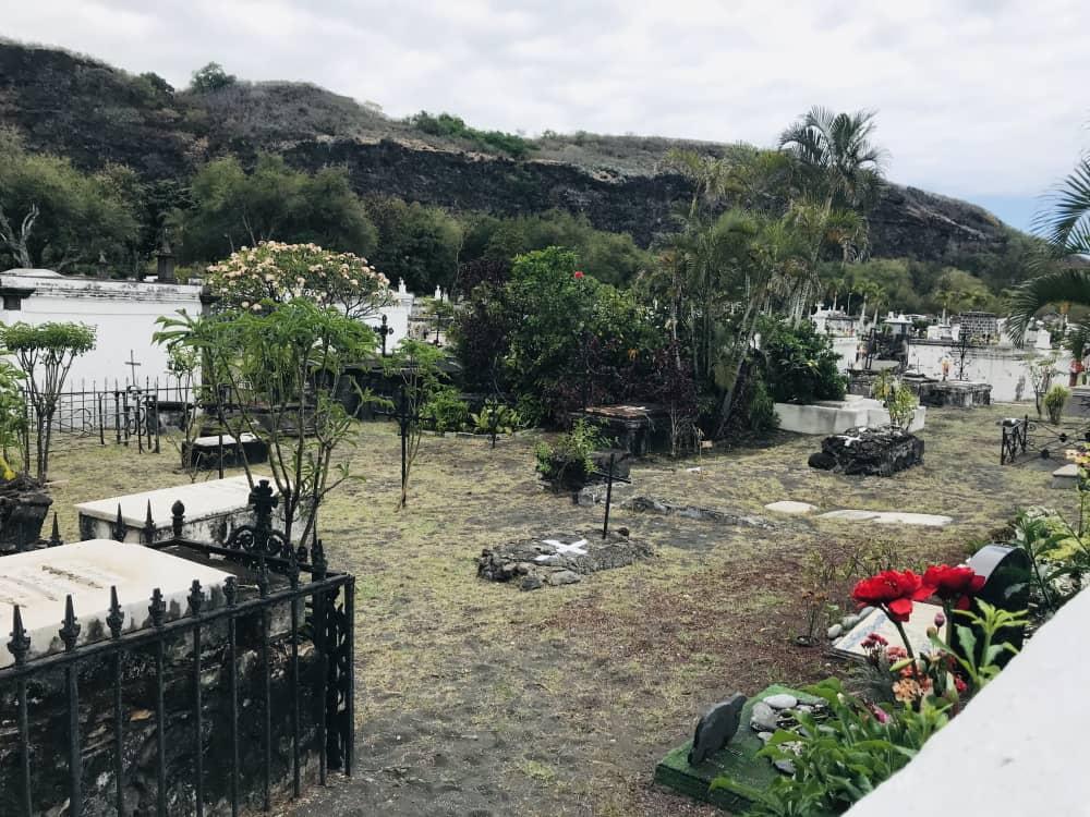 Cimetière marin de Saint-Paul © Destination974 | Blog Randonnées à La Réunion pour famille